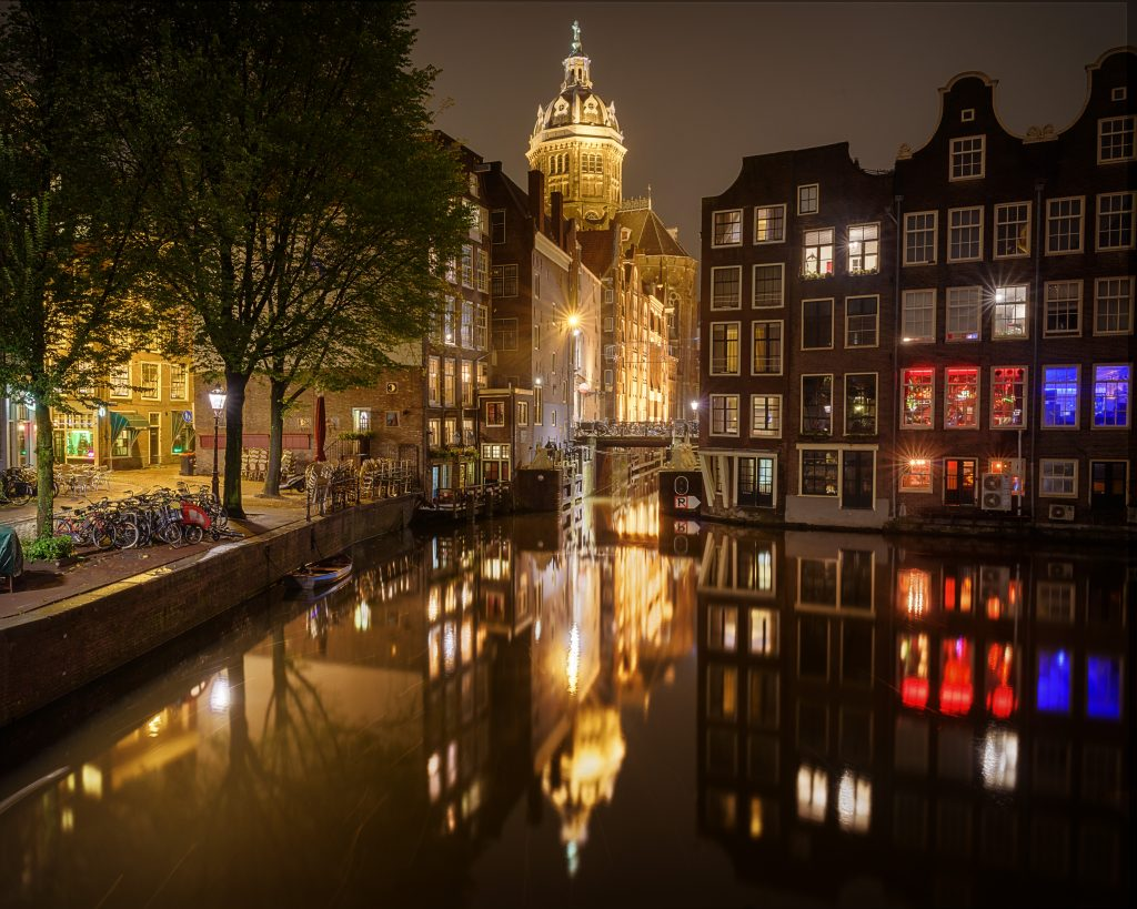 I personally think, city night shots are really the best. I love to see all the different lights. the atmosphere of the night life, the motion blur of cars, and coolness of artificial light. Theses shots were made on a walk through Amsterdam last summer. Hope you enjoy it.